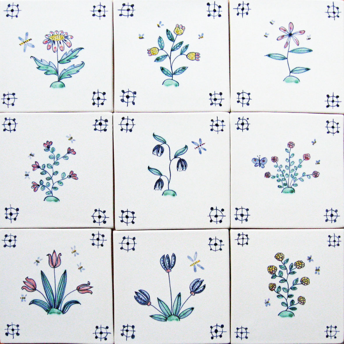 Delft flowerand bee tiles