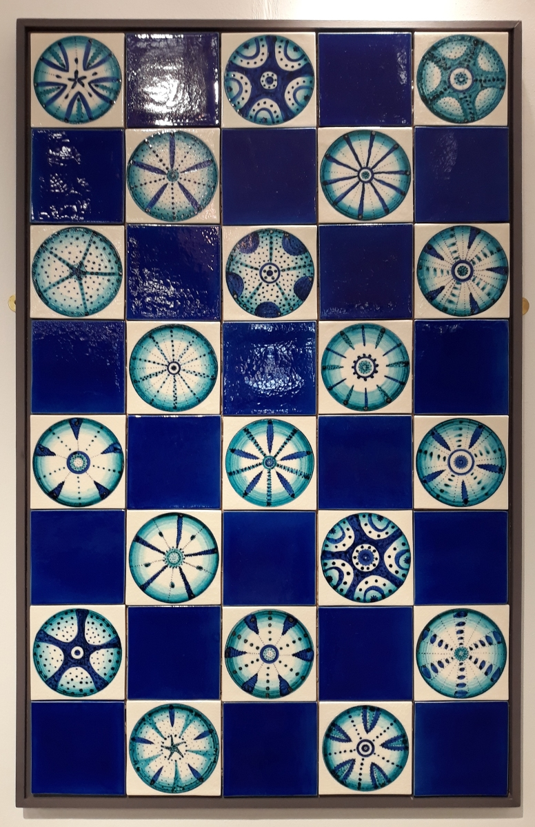 Diatom tiles on crackle glaze